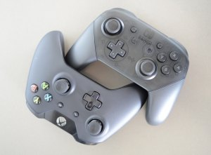 Xbox One Controller und Pro Controller